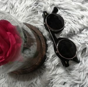 Unisex Black Retro Fashionable Flip Sunglasses